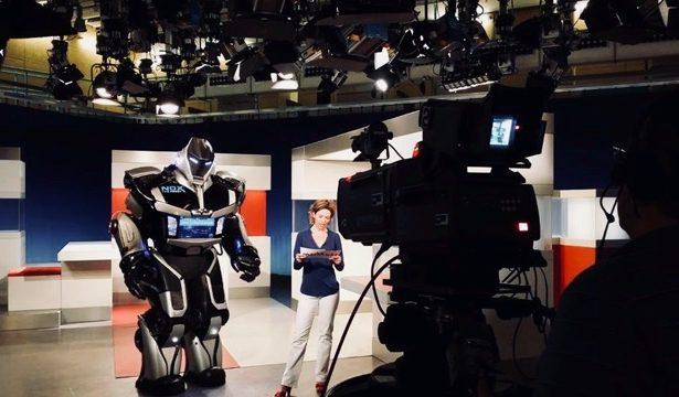 Den größten Showroboter der Welt darf ich nach wie vor auf seinen Auftritten begleiten und dafür sorgen, dass er das Publikum begeistert.